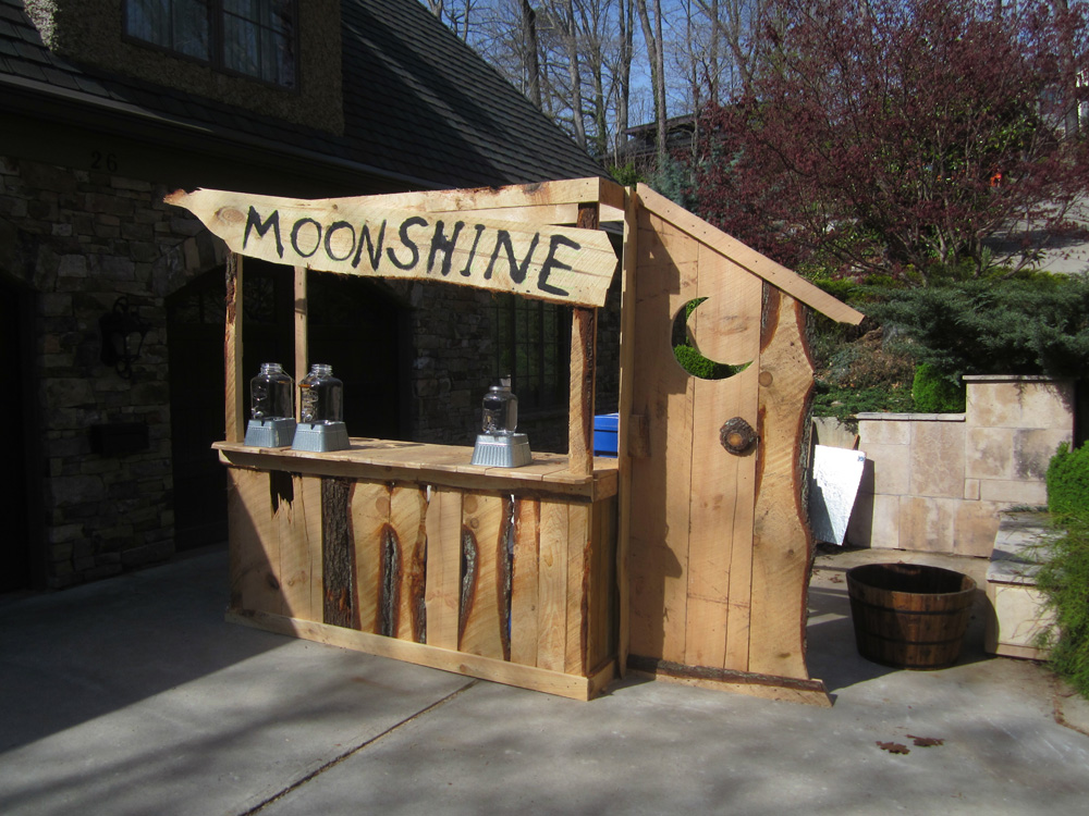 Moonshine Bar